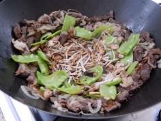 o cogumelo e o broto de feijão