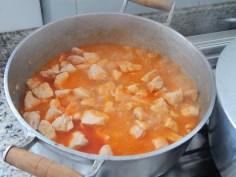 acrescente água quente até cozinhar