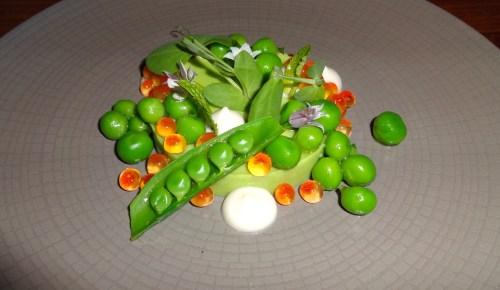 Sweet Pea Custard with Cured Steelhead Roe, Pea Shell Mint Sauce, and Spring Onion (9/10).