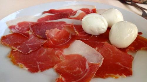 Prosciutto e Mozzarella di Bufala.