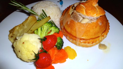 Traditional Lucerne Dish: Veal Dumplings and Veal Pieces in Puff Pastry with Vegetables and Rice (8/10).