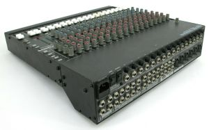 Mackie CR-1604 16-Channel MIC/Line Mixer