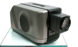 Eiki LC Color Video Projector LC-330 w/ Zoom Lens