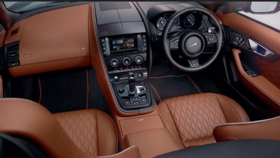 Jaguar_F-Type SVR interior