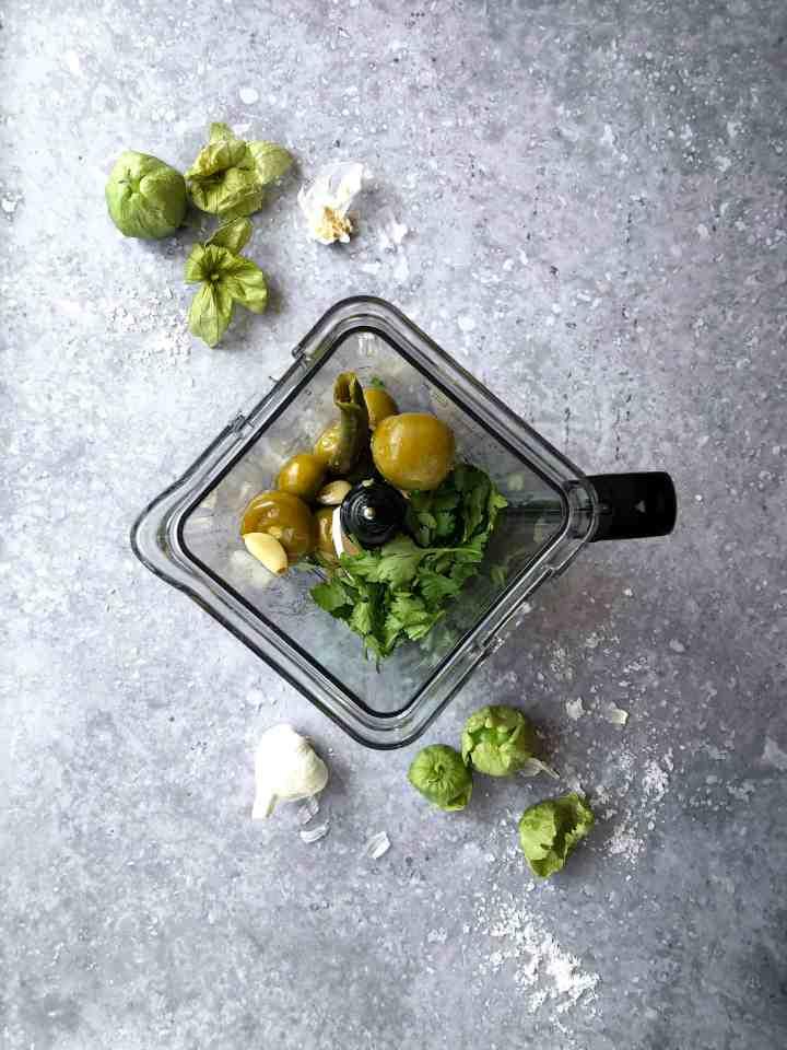 A blender of roasted salsa verde.