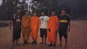 Con los monjes