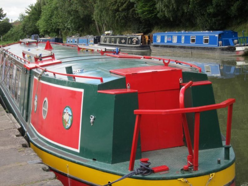 7 Canal Boats, Devizes