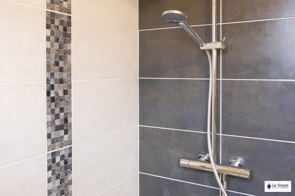le-grand-plombier-chauffagiste-rennes-bruz-plomberie-amenagement-salle-de-bains-recevur acquabella blanc-vasque-verre-4
