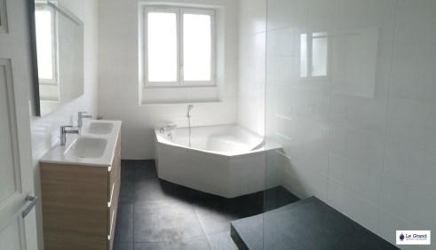 Le Grand Plombier Chauffagiste Rennes Bruz - Salle de bains - Plomberie - Agencement - Salle de Bains - Baignoire d'angle - Brest (1)