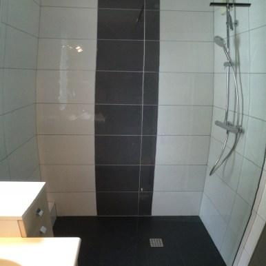 Salle de bains Rennes - Le Grand Plombier Chauffagiste - Receveur Aquabella noir 2