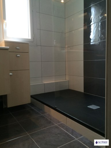 Salle de bains Rennes - Le Grand Plombier Chauffagiste - Receveur Aquabella noir
