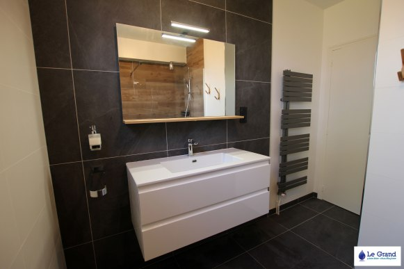 Le-Grand-Plombier-Salle-de-bains-Rennes-Talensac-Douche-imitation-bois (1)