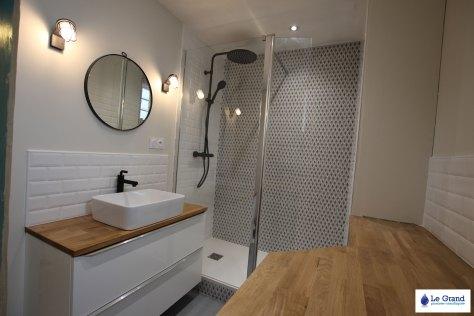 salle-de-bains-rennes-retro-design-robinettterie-noir-plan-sur-mesure-le-grand-plombier (5)