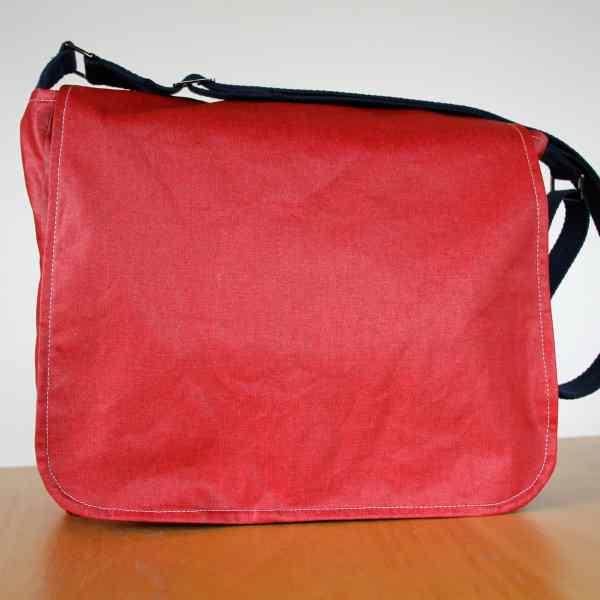 Dark rose large messenger bag
