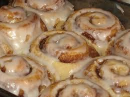 gleuten free cinnamon rolls