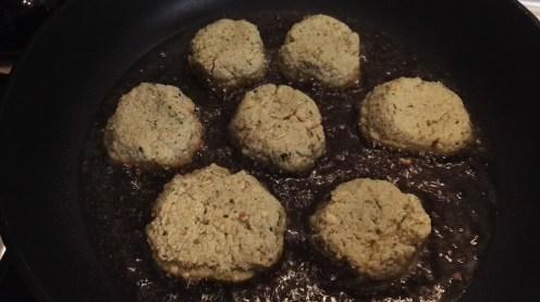 Freír los falafel