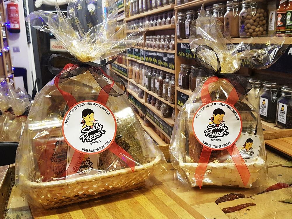 Sally Pepper-Spices-Tienda de-especias-chiles-salsas picantes-Madrid-cesta de regalo