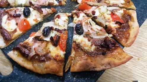 sally pepper-spices-tienda-especias-madrid-pizza-hierbas-aromaticas-sin levadura-cerveza-caleya-porciones