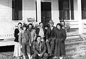 Moore Family - Dec 21, 1950
