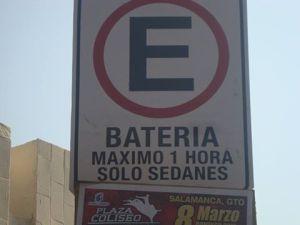 PROHIBEN ESTARCIONARSE A CAMIONETAS EN EL TOMASA ESTEVES