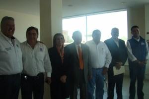 Seis de ocho candidatos firmas Pacto de Civilidad.