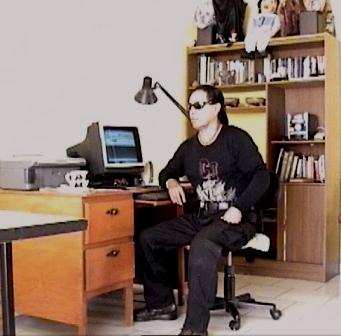 759-el-director-de-grupo-alarma-de-investigacion-paranormal-en-su-estudio-_3