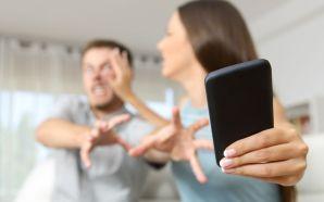 La dependencia al smartphone podría traerte problemas con tu pareja
