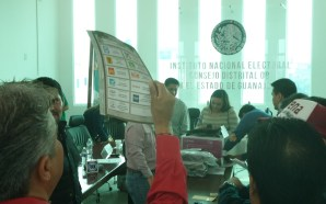 VERIFICAN ELEMENTOS DE SEGURIDAD EN BOLETAS Y ACTAS ELECTORALES..