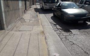 SE FORMAN SOCAVONES EN CALLE INTERVENIDA POR CMAPAS