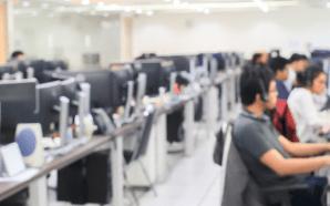 Morena va contra call centers