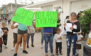 #León PROTESTAN POR PRESUNTA VIOLACIÓN DENTRO DE ESCUELA.