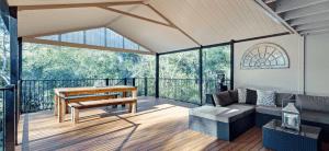 advantages of aluminium deck