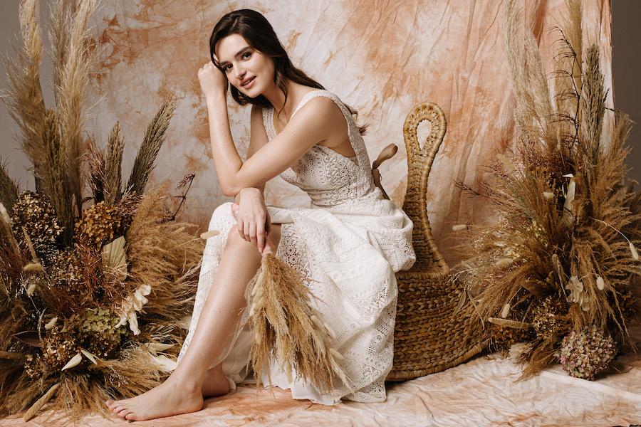 Estelle Suknie ślubne umów wizytę obrazek