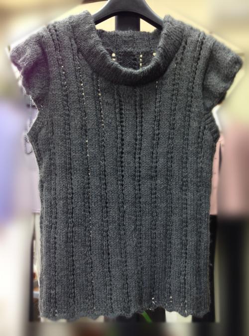 生徒作品 温かなベスト 棒針編み