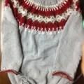 丸ヨークのセーター
