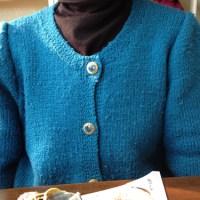 棒針編みのカーディガン