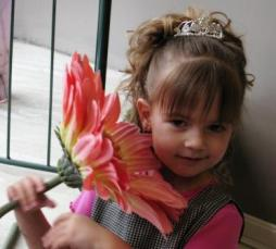 Kid Casual Updos For Curly Hair_maddy_updo_flower