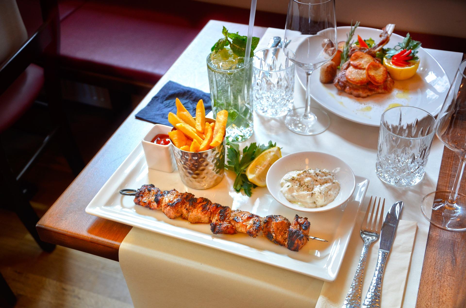 Cocina Griega en Mlaga Restaurante Saloniki Muelle Uno