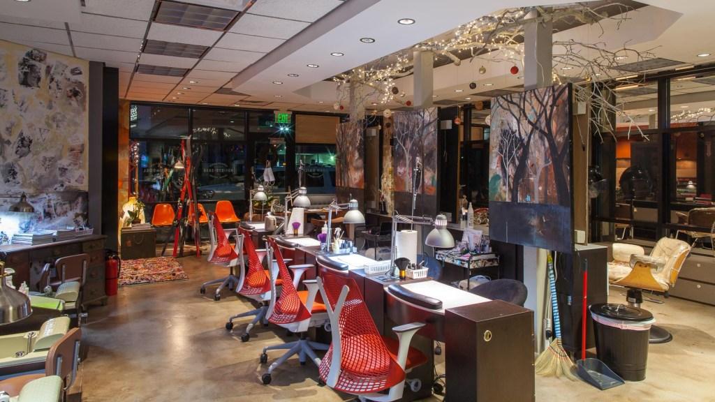 Melange-Holiday-Interior-9505