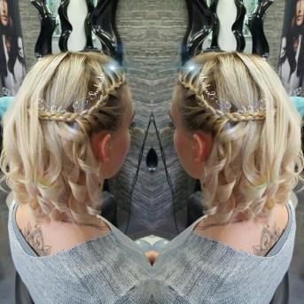SalonSoulmate-blond-huebsch