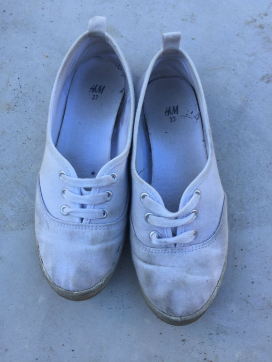 shoes_white_before