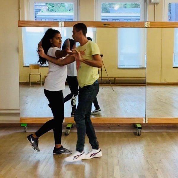 SALSALiege | Salsa class online.