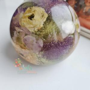 10 cm sphere paperweight