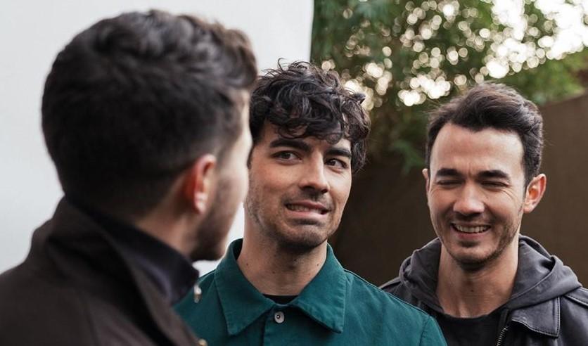 Miley Cyrus deja sin palabras a los Jonas Brothers tras un extraño comentario - Salta 4400