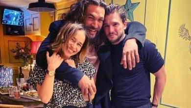 Photo of Emilia Clarke, Jason Momoa y Kit Harington sorprende con una foto grupal