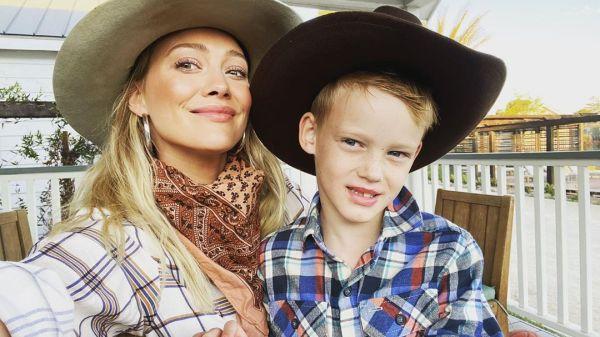 Hilary Duff y su hijo Luca