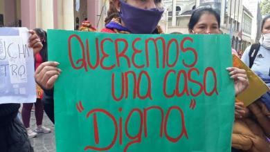 Photo of Sin techo ni comida: protesta en la Plaza 9 de Julio