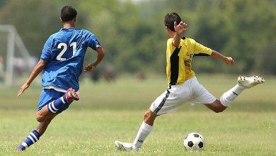 Photo of El fútbol no espera: Decenas de jugadores en canchas a campo abierto
