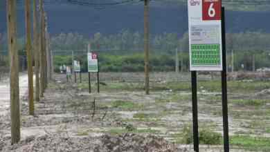 Photo of Apuntan a entregar «10 mil lotes sociales» reducir la falta de viviendas en Salta