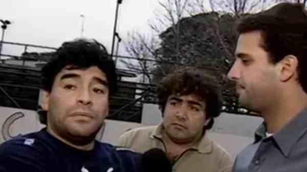 Diego Maradona y José María Listorti